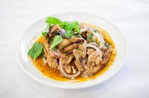 carne moída ao estilo tailandês