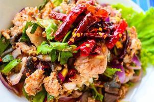 """Tailândia esse alimento é chamado de """"larb pla kang"""" foto"""