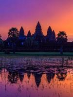 Angkor Wat antes de Sunrice, Camboja. foto