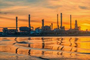refinaria de óleo foto