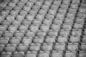 vazios, assentos do estádio foto