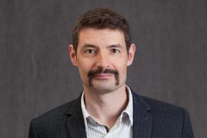 foto de passaporte de quarenta anos homem com um bigode longo