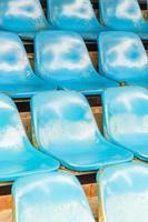 assentos vazios do estádio foto