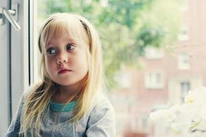 retrato de menina de 5 anos foto
