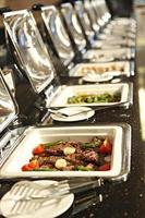 perfeito buffet.meat, chiken e barra de legumes 2 foto