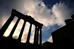 colunas do fórum romano, roma foto