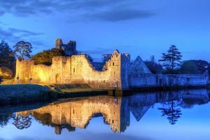ruínas do castelo em adare foto