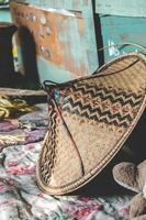 chapéu asiático de campo de arroz tradicional foto