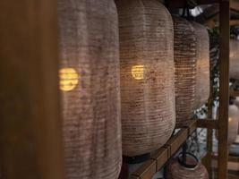 lanternas chinesas bege foto