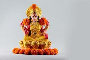 close-up de uma estátua de lakshmi foto