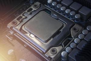 um soquete de CPU na placa-mãe pc foto