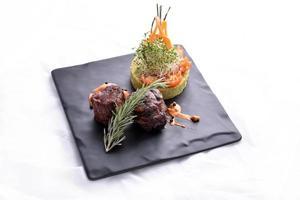 bife e legumes foto