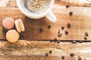 café com macarons foto