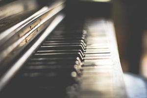 teclas de piano de foco seletivo