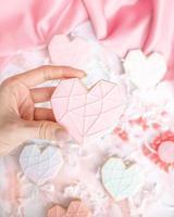 biscoito branco e rosa coração foto