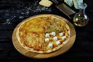 pizza de queijo quente foto