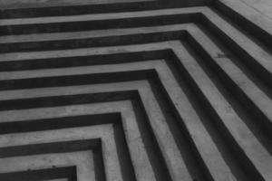 escada em preto e branco foto