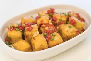 sal de pimenta tofu frito foto