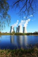 Usina nuclear foto