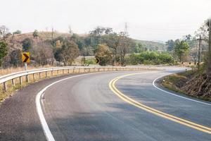 estradas em áreas rurais de países em desenvolvimento