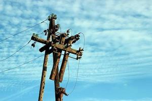 o antigo poste de eletricidade usado como fundo foto