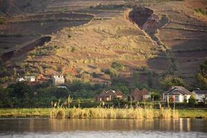 lago em ampefy, centro de madagascar foto