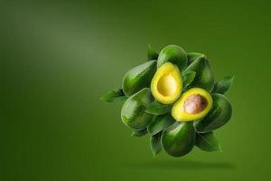 abacate verde maduro