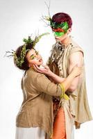 conceito de conto de fadas. elfo homem e menina