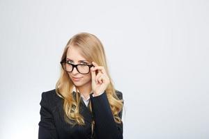 mulher de negócios usando óculos foto