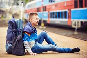 jovem viajante foto
