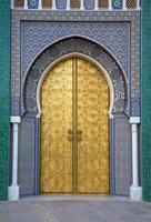 palácio real em fez, marrocos foto