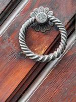 maçaneta vintage na porta antiga, fundo