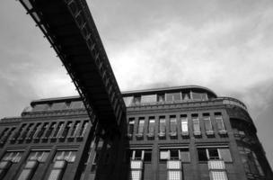 fachada de argila de casa geminada foto