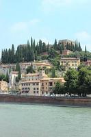 castelo no meio de verona itália foto