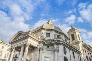 fachada da igreja santa maria dei miracoli foto