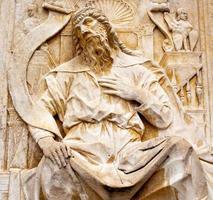 relevo de mármore bíblico foto