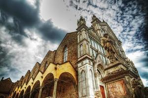 catedral de santa croce em efeito de mapeamento de tom hdr foto
