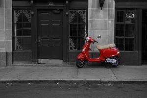 scooter vermelha