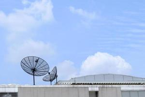 satélite no edifício superior. foto