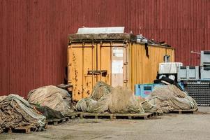 redes de pesca e container foto
