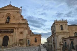 barroco siciliano à tarde foto