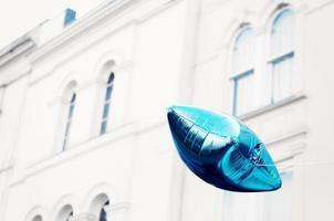 balão azul foto