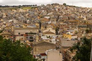 calatafimi vista da cidade, sicília, itália foto