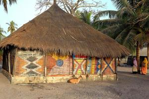 típica cabana-carabane-senegal foto