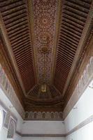 belos detalhes do palácio da bahia em marraquexe, marrocos. foto