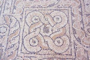 fragmento de mosaico no chão