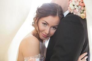 retratos de casal atraente foto