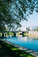 ponte sobre o rio foto