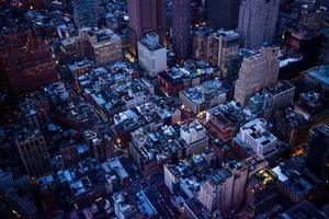 paisagem urbana durante a noite