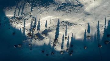 vista aérea do campo de neve foto